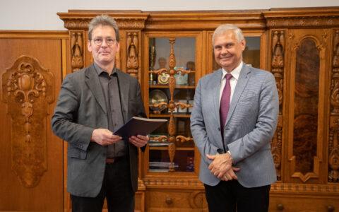 Prof. Dr. Jörg Hackmann Direktor des Internationalen Zentrums für interdisziplinäre Studien in Kulice / Külz